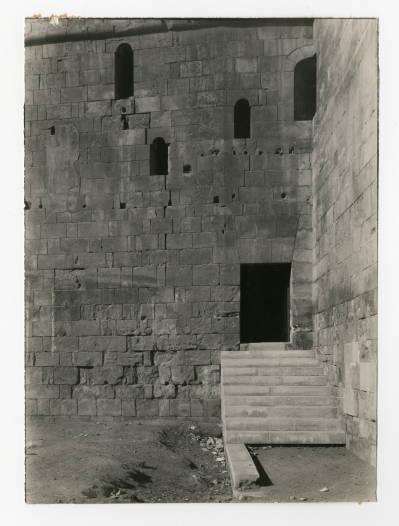 """<bdi class=""""metadata-value"""">Entrance to staircase at the Bab al-Nasr</bdi>"""