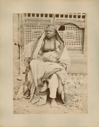 "<bdi class=""metadata-value"">African woman</bdi>"